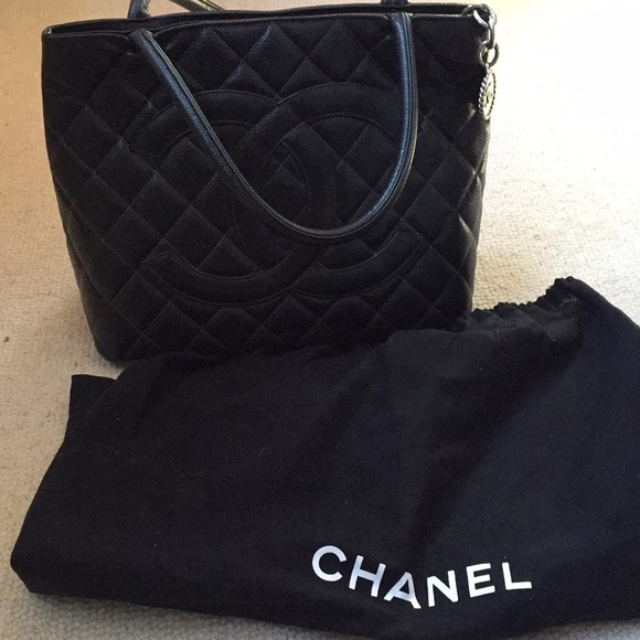 9e2ee0ac09 Chanel large black quilted tote bag caviar leather